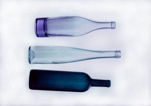 Botella azul para solarizar el agua